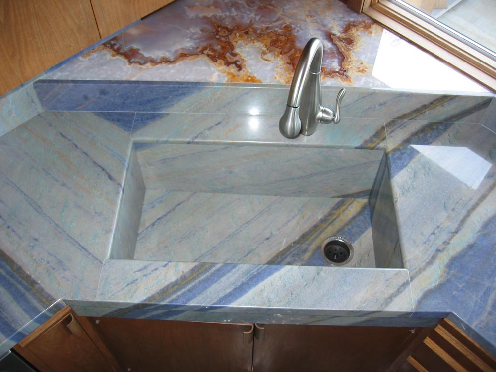 Kitchen Sinks And Granite Countertops